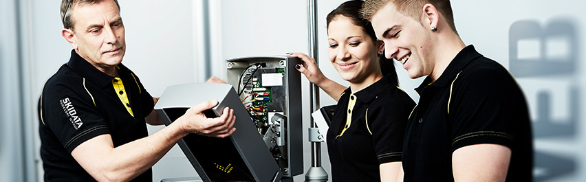 Apprentices at work - Lehrlinge bei der Arbeit know-how-apprentice-1.jpg